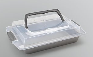covered baking pan